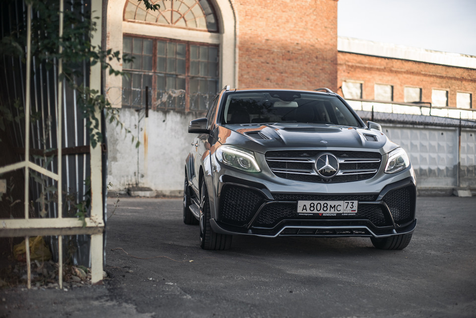 Mercedes-Benz GLE/ML* Body Kit from RENEGADE Design Is Available.